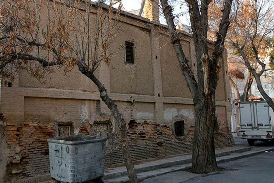 وضعیت تلخ خانه باغ ملک ، محل اقامت شاهزادگان قجری در شهرری را زباله دان کرده اند